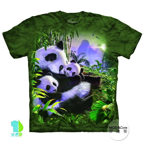 【摩達客】(預購)美國進口TheMountain熊貓抱抱純棉環保藝術中性短袖T恤