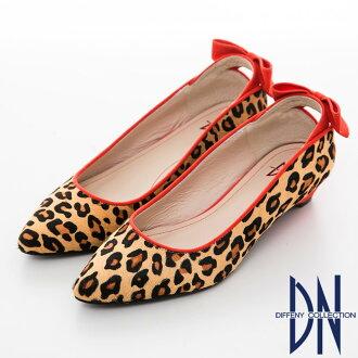 DN 魅力滿分-金蔥閃料時尚蝴蝶低跟鞋-咖