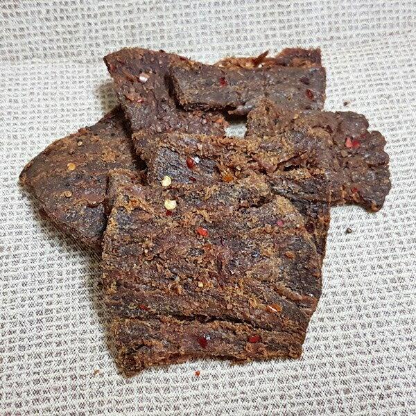 (台灣) 嚴選招牌素食牛肉片-麻辣味 【素牛肉乾】1包300公克 特價119元