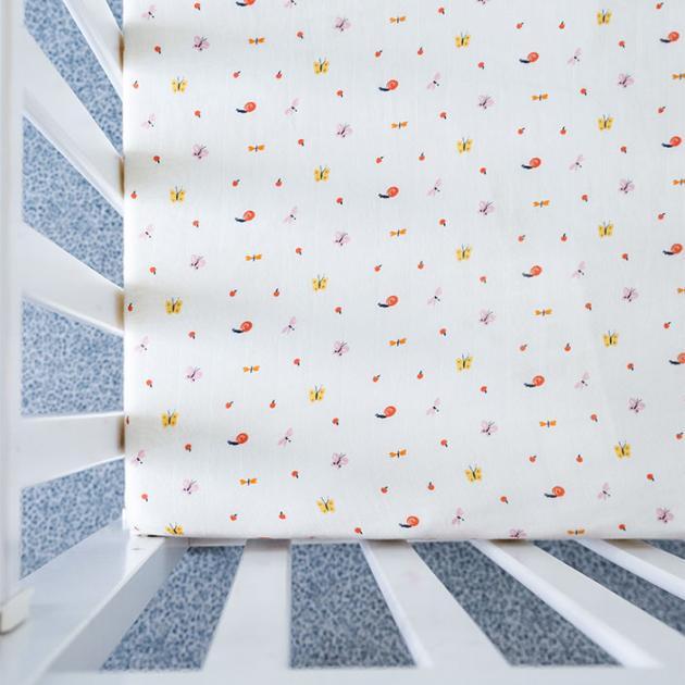 Organic B 有機棉床包-蝴蝶蜻蜓飛 70x140cm 嬰兒床 有機棉絲柔床包 嬰兒床包 有機比比 Unicorn