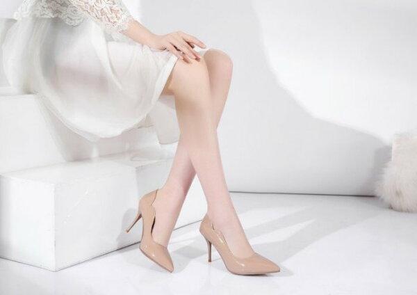 Pyf♥優雅側V裝飾漆皮尖頭素面6色細跟高跟鞋加大48大尺鞋