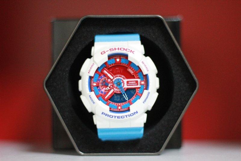 《香水樂園》現貨供應 CASIO G-SHOCK GA-110AC-7ADR GA110 白藍色 手錶 鋼彈