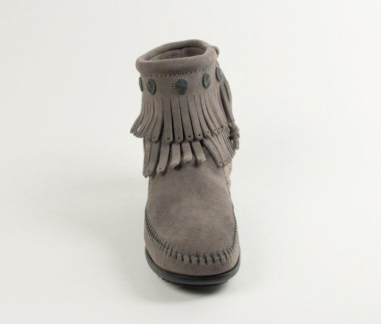 【Minnetonka 莫卡辛】灰色 - 雙層麂皮流蘇踝靴 4