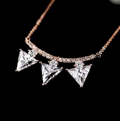 玫瑰金項鍊水晶純銀吊墜~ 精美鑲鑽三角形生日情人節 女飾品73dw53~ ~~米蘭 ~