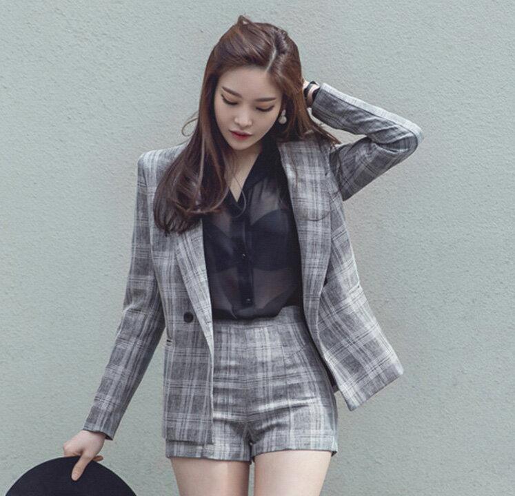 外套褲裝 格紋西裝外套+修身短褲套裝 艾爾莎【TAK6182】 1