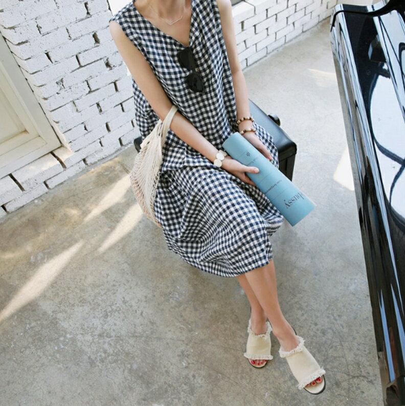 韓風無袖洋裝 清新女孩黑白格棉麻洋裝 艾爾莎【TAK6491】 2