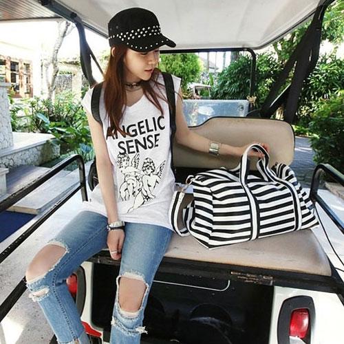 方包手提包 艾爾莎 配色線條大容量旅行出遊手提單肩行李包【TBB6854】 1