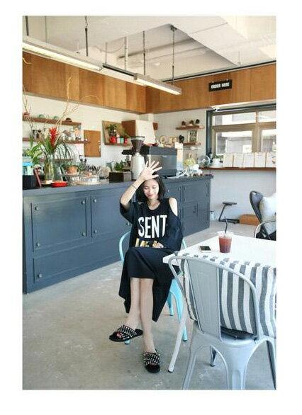 連身裙 休閒字母印花露肩九分袖連身洋裝 艾爾莎【TGT0080】 1