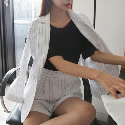 短袖褲裝 商務通勤雙排釦直條紋西裝外套+鬆緊腰短褲套裝 艾爾莎【THB3914】 2