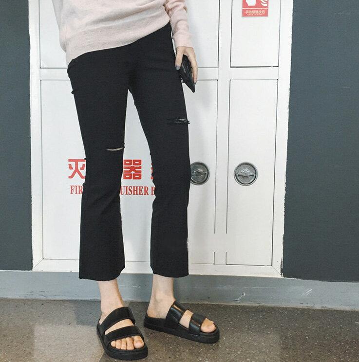 舒適逛街好物 百搭防滑雙帶厚底黑色涼拖鞋 艾爾莎【TSB8632】 2