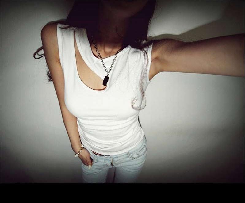 長袖T恤*艾爾莎*胸前性感水滴式挖空顯瘦長T【TAK2271】 1