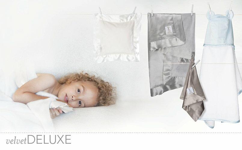 嬰兒毯-Baby Joy World-【美國Little Giraffe】〈天鵝絨豪華系列〉天鵝絨豪華嬰兒毯棉被禮盒組-亞麻色(VLSSBKTFX)