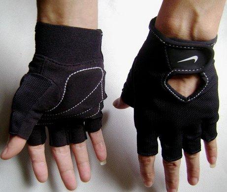 NIKE 運動手套 健身手套 另有 健身器材