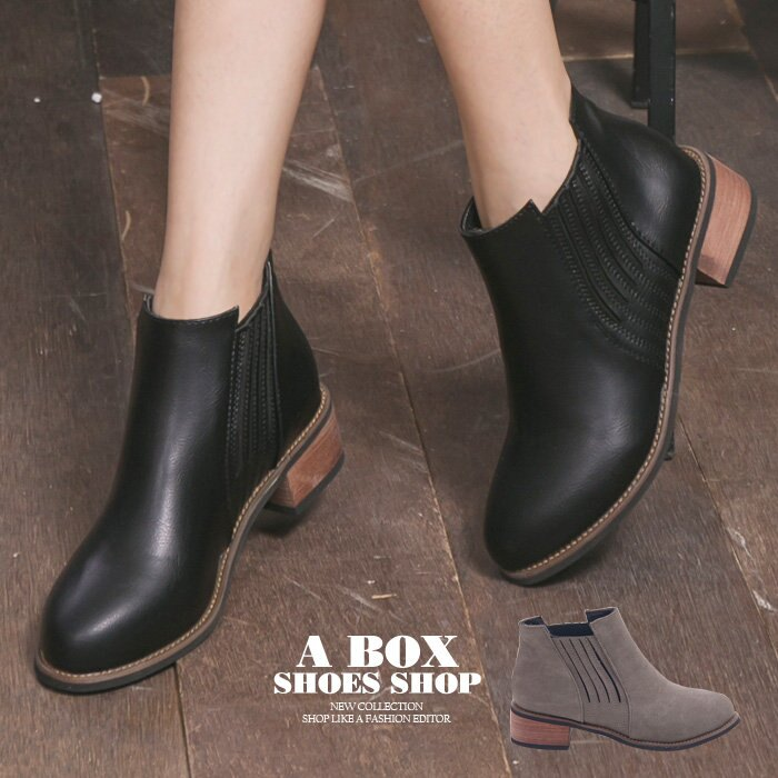 格子舖*【KS802】簡單時尚皮革 鬆緊套腳穿拖 4CM中粗跟 短靴 踝靴 馬丁靴 2色 0