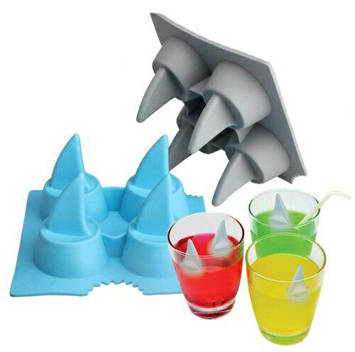 Shark Fin Ice Tray 鯊魚冰塊盒 不挑色 ☆真愛香水★