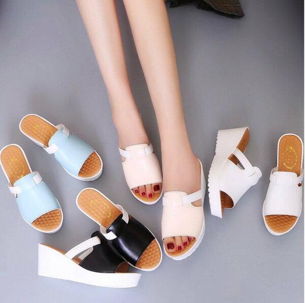 Pyf♥小資女系列寬版一字帶高跟楔型涼拖鞋舒適松糕厚底加大4348大尺碼女鞋