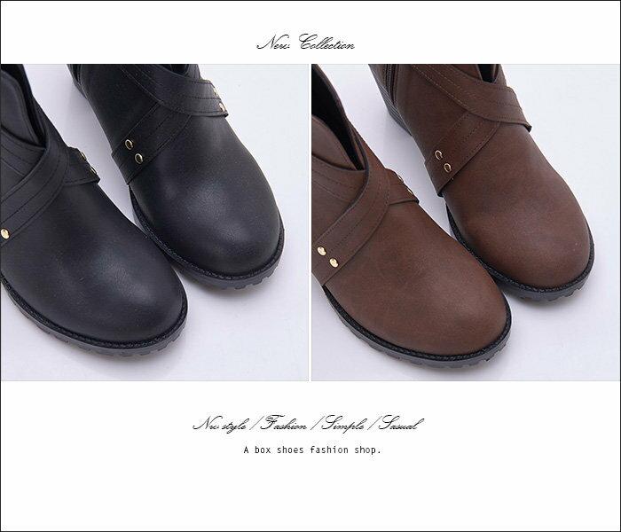 格子舖*【KW6686】MIT台灣製 交叉帶皮革金屬釦環 側拉鍊穿拖 7CM粗高跟短靴 馬丁靴 2色 2