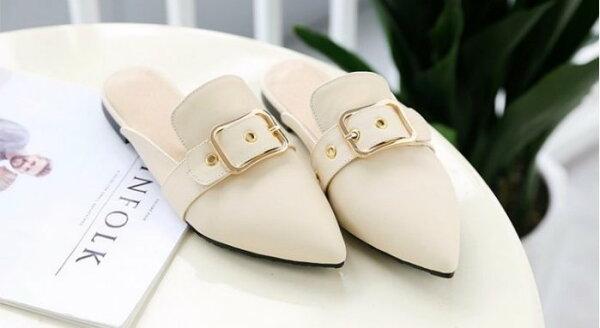 Pyf♥Pyf♥尖頭皮帶扣皮質平底涼鞋半拖鞋懶人鞋46超大尺碼女鞋