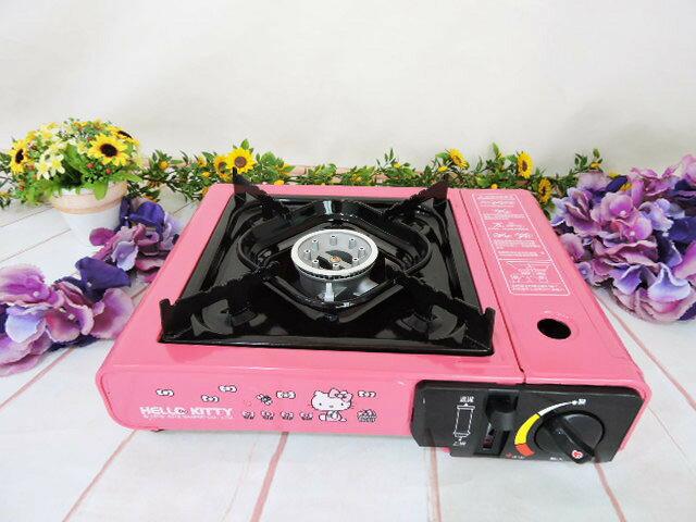 X射線【C528300】 HelloKitty攜帶式卡式瓦斯爐,家電/露營/野餐/外出攜帶/廚房/凱蒂貓/禮盒/禮品/sanior/烤肉/銅盤烤肉