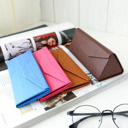 EZMORE購物網:創意時尚質感木紋三角型摺疊眼鏡盒磁扣收納盒萬用墨鏡太陽眼鏡【N200914】