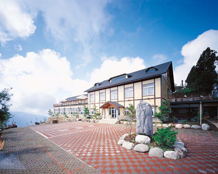 【清境】綠楊景觀溫泉山莊-(四人房)住宿+小瑞士入園證(一泊二食) 1