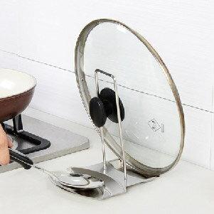 美麗大街【BF543E1】 不銹鋼帶接水盤鍋蓋架子 砧板架 廚房置物架鍋蓋掛架 鍋鏟收納架
