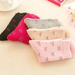 * Anne&Alice包包購 * ~精選實用創意小物專區~全新中筒加厚兔羊毛襪子--小蝴蝶結款~*