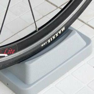 美麗大街【ML106082411】山地自行車騎行台室內訓練台前輪固定架前輪墊配件