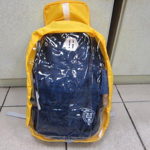 ~雪黛屋~UNME雨衣罩 後背包雨衣罩40L雨衣罩輕巧好收納不占空間可掛於包包輕便攜帶防水尼龍+透明PVC#D1543
