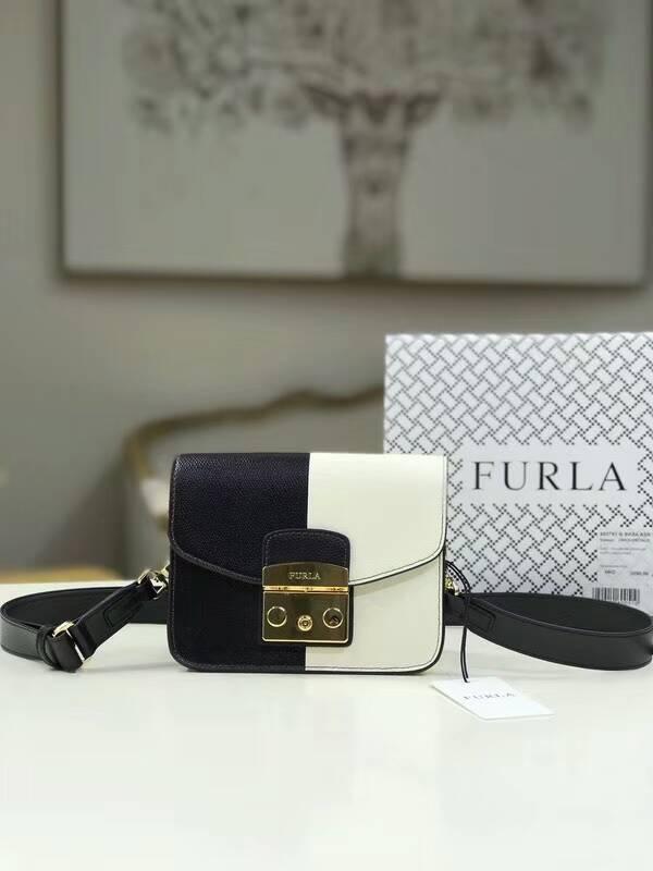 Outlet代購 歐美FURLA 撞色設計系列翻蓋小方包 斜背包 肩背包 外出包#白拚黑