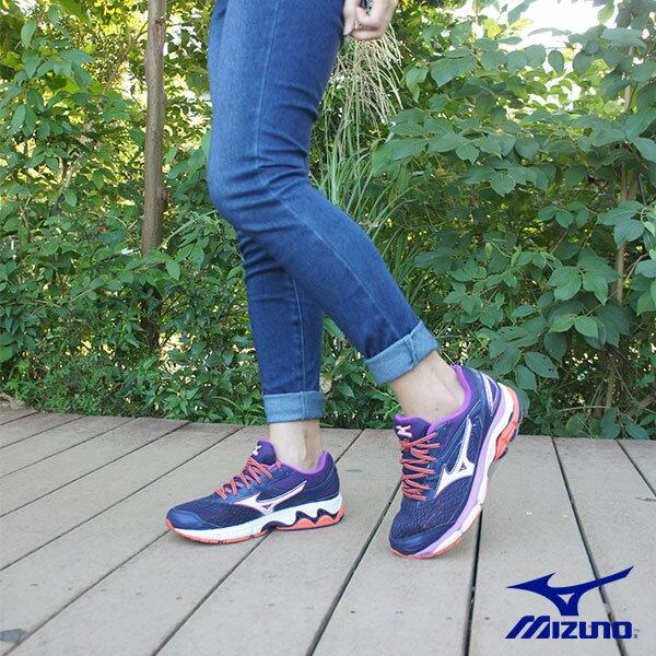 【MIZUNO促銷7折│全店免運】MIZUNO(女)WAVEINSPIRE13WIDE(W)寬楦女慢跑鞋藍紫-J1GD174208