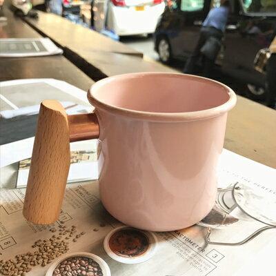 ├登山樂┤臺灣Truvii木頭琺瑯杯(珊瑚粉)(把手與銅環樣式隨機出貨)400ml