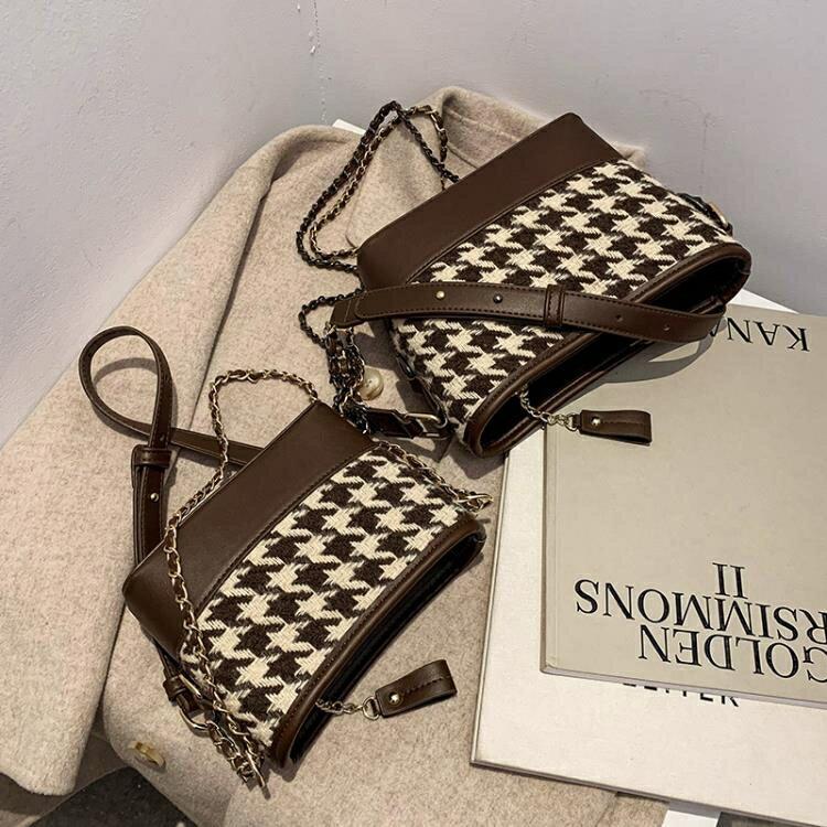 斜挎包 網紅時尚水桶包爆款小包包女2021新款潮高級鏈條包質感單肩斜挎包 摩可美家