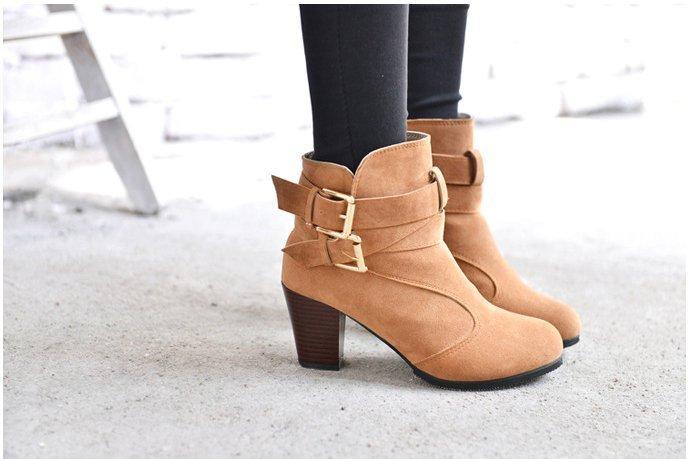 Pyf ♥ 歐美 舒適圓頭 交叉扣帶粗跟 顯瘦高跟短靴 43 大尺碼女鞋