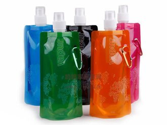 約翰家庭百貨》【YX170】繽紛多彩 便攜折疊水瓶 水袋 運動水壺 環保冰袋 附登山扣環 隨機出貨