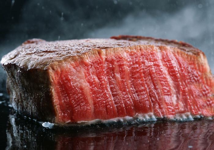 【好神】美國Prime等級21盎司嫩肩牛排2片組-超人氣銷售!!   ●PRIME為最佳等級!!     ●讓人驚訝的大份量pirme等級的嫩肩牛排,軟嫩口感讓人吃了就滿足。 1
