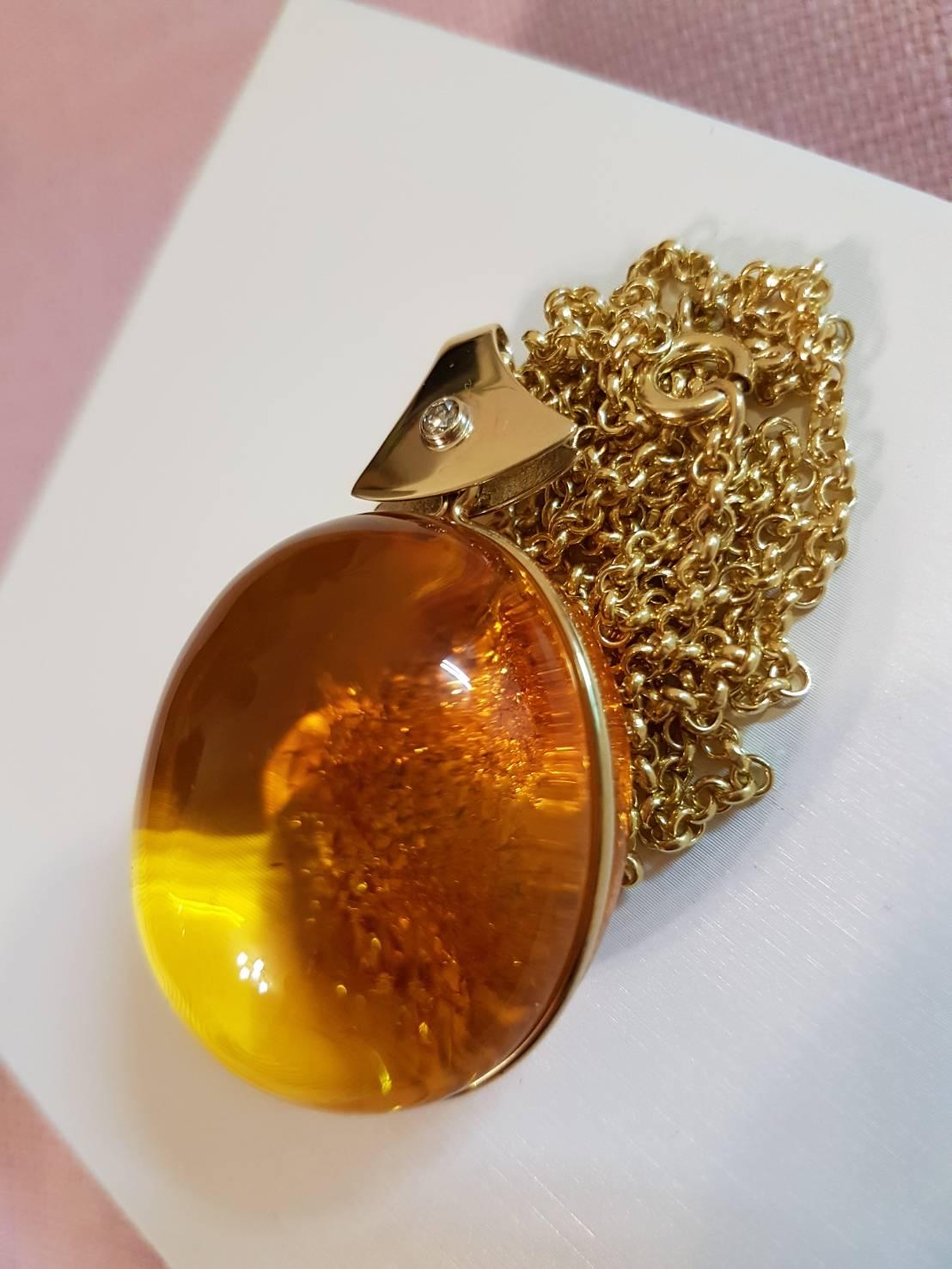 出自波蘭琥珀設計大師之作品-如陽光般奪目光芒的高級珠寶等級之琥珀項鍊