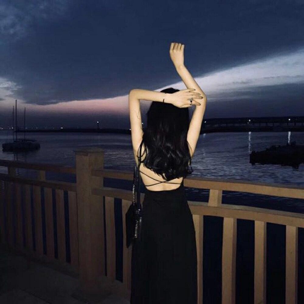 港味chic交叉綁帶露背中長款女洋裝優雅吊帶抹胸洋裝氣質連身洋裝   名購居家 雙12購物節