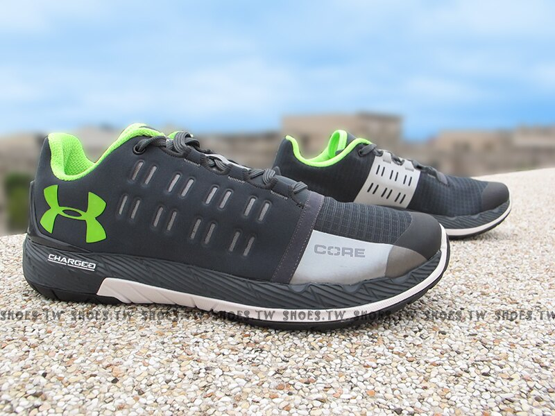 《下殺6折》Shoestw【1276524-008】UNDER ARMOUR 慢跑鞋 Charged Core 深灰螢光綠 訓練鞋 男生