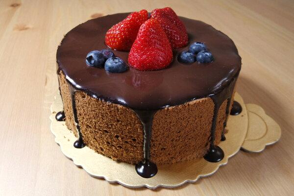 AUTUMN CookieCake:★歐庭烘焙★冬季限定→【雙莓可可戚風蛋糕】新鮮草莓加上藍莓點綴搭配完美可可戚風