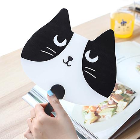 《波卡小姐》消暑涼扇!日韓創意喵喵造型扇子 四款貓咪卡通隨身手搖扇 夏日旅遊必備可愛動物手持風扇
