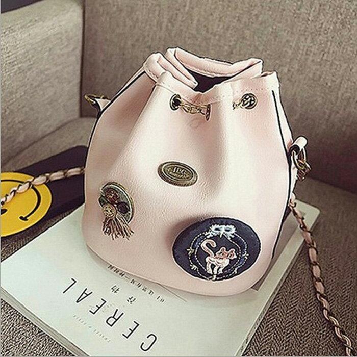 糖衣子輕鬆購【DZ0230】歐美時尚徽章水桶包鍊條包潮流單肩包斜背包