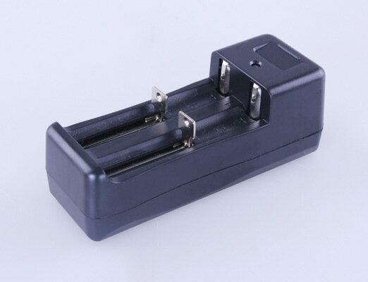 【露營趣】中和安坑 TNR-196 18650鋰電池充電器 CR123A 14500 3號 4號 16340 智能萬用充電器