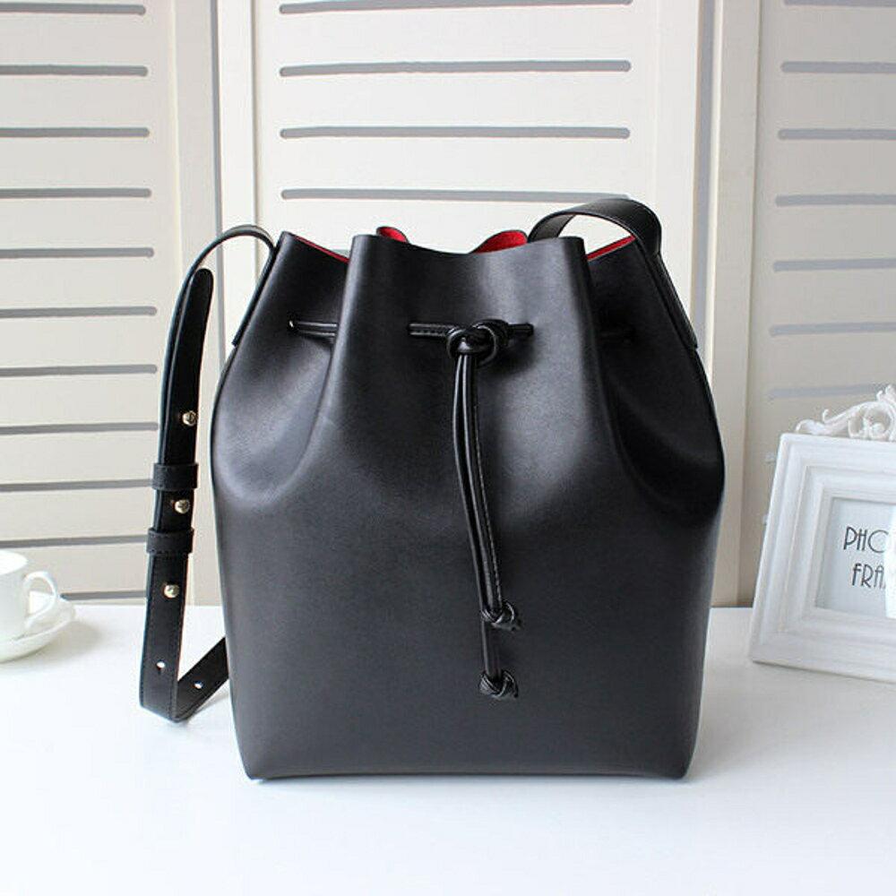 ✤宜家✤新款 歐美極簡時尚水桶包 單肩包