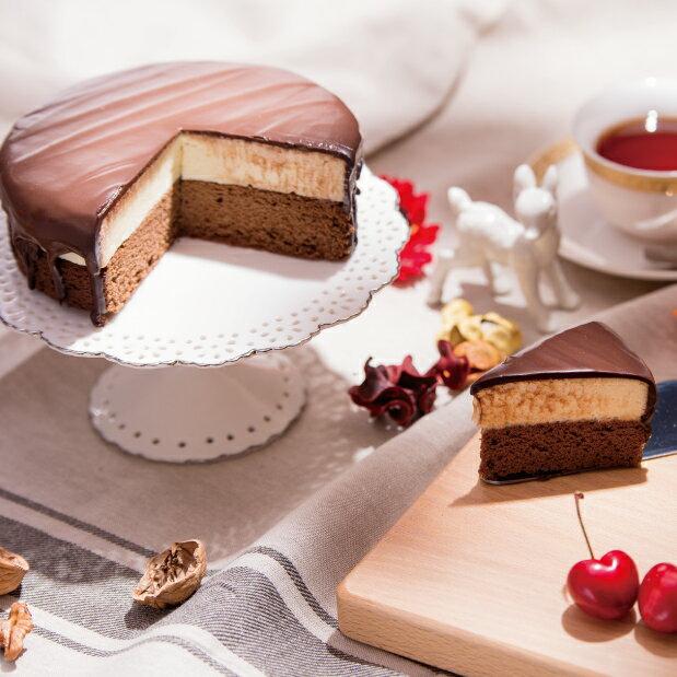 【6吋超濃生巧克力布朗尼蛋糕】樂樂甜點的經典代表之作。深受國內與國外遊客的喜愛!濃郁的生巧克力與乳酪餡的結合,搭配口感濕潤的布朗尼蛋糕。天啊!真是絕妙組合【野餐派對甜點  /  下午茶  /  彌月蛋糕  /  伴手禮】★5月全館滿499免運 1