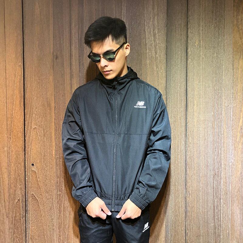 美國百分百【全新真品】New Balance 風衣 外套 NB 夾克 防風 連帽 運動 男 黑色 S號 AY33