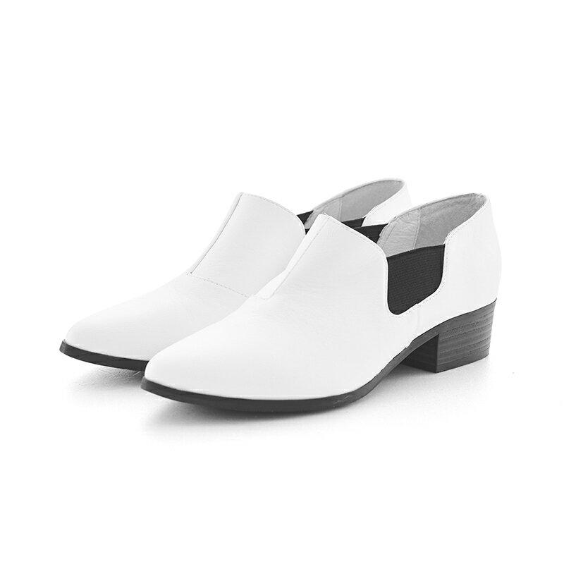 【B2-16209L】黑白系列尖頭側鬆緊鞋_Shoes Party 5