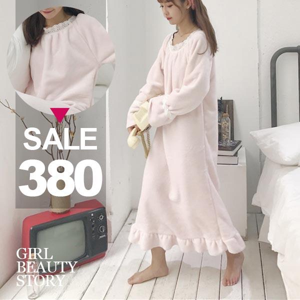 SiSi Girl:SISI【D7191】超柔軟粉色長袖甜美可人荷葉邊法蘭絨連身裙睡袍睡衣
