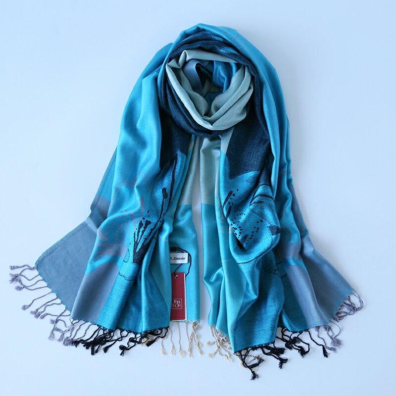 圍巾女春秋薄絲絨印花披肩流蘇裝飾保暖緹花雙面長民族風圍巾秋冬1入