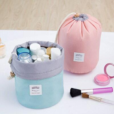 化妝包。 AngelNaNa 韓版 大容量 防震  圓筒 束口袋 旅行收納包【BA0200】